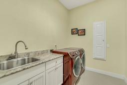 3019-Alatka-Ct--Longwood--FL-32779----32---Laundry.jpg