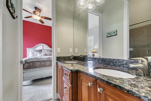 17050-Royal-Palm-Dr--Groveland--FL-34736----43---Bathroom.jpg