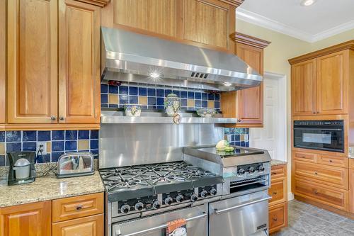 10909-Emerald-Chase-Dr--Orlando--FL-32836---12---Kitchen-copy.jpg