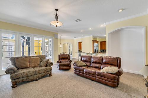 10909-Emerald-Chase-Dr--Orlando--FL-32836---16---Family-Room.jpg