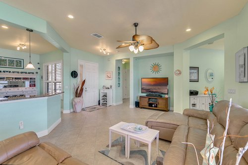 106-Indian-Wells-Ave--Kissimmee--FL-34759----07---Family-Room.jpg