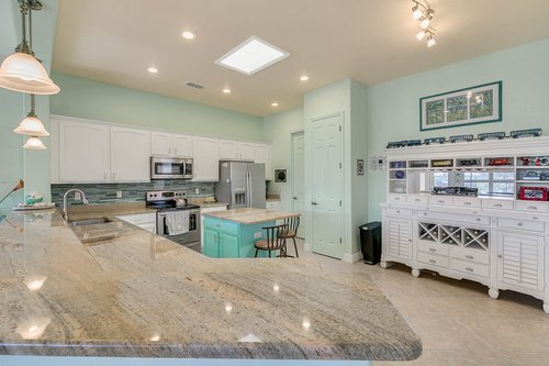 106-Indian-Wells-Ave--Kissimmee--FL-34759----09---Kitchen.jpg