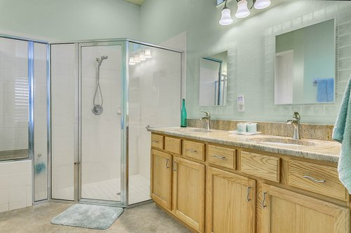 106-Indian-Wells-Ave--Kissimmee--FL-34759----16---Master-Bathroom.jpg