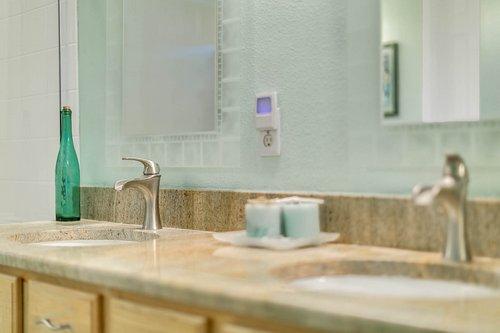 106-Indian-Wells-Ave--Kissimmee--FL-34759----17---Master-Bathroom.jpg