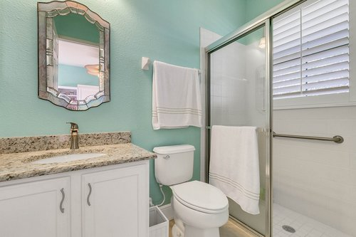 106-Indian-Wells-Ave--Kissimmee--FL-34759----21---Bathroom.jpg