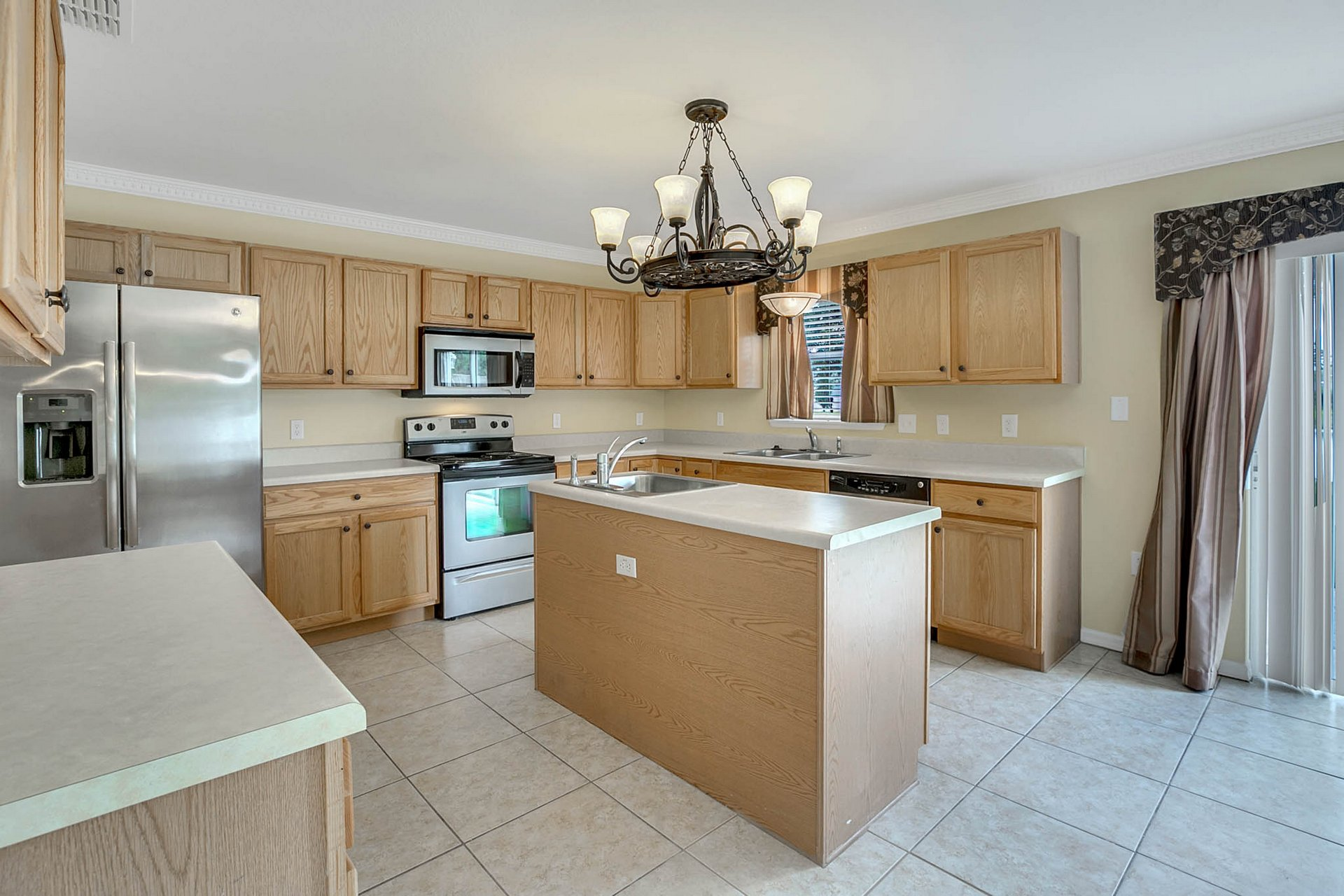 3205-Bellericay-Ln.-Land-O-Lakes--FL-34638--06--Kitchen-1.jpg