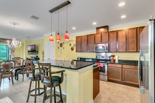10019-Armando-Cir--Orlando--FL-32825----06---Kitchen.jpg