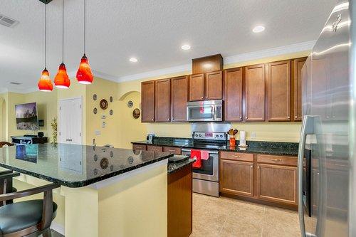 10019-Armando-Cir--Orlando--FL-32825----07---Kitchen.jpg