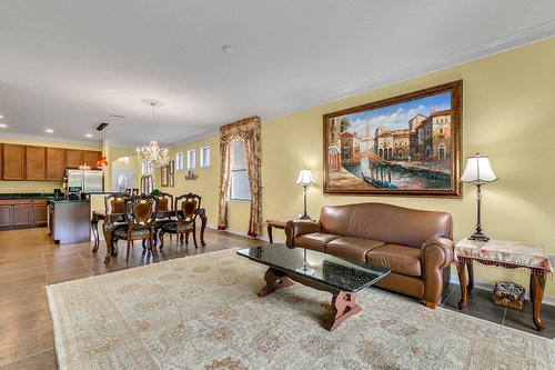 10019-Armando-Cir--Orlando--FL-32825----14---Family-Room.jpg
