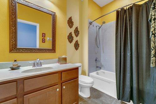 10019-Armando-Cir--Orlando--FL-32825----21---Bathroom.jpg
