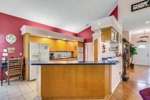 23115-Glory-Rd--Howey-In-The-Hills--FL-34737----18---Kitchen.jpg