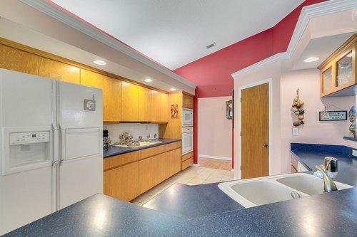 23115-Glory-Rd--Howey-In-The-Hills--FL-34737----20---Kitchen.jpg