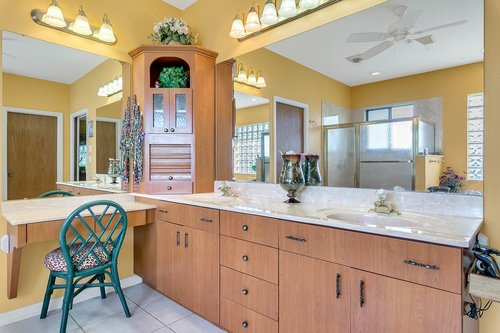 23115-Glory-Rd--Howey-In-The-Hills--FL-34737----25---Master-Bathroom.jpg