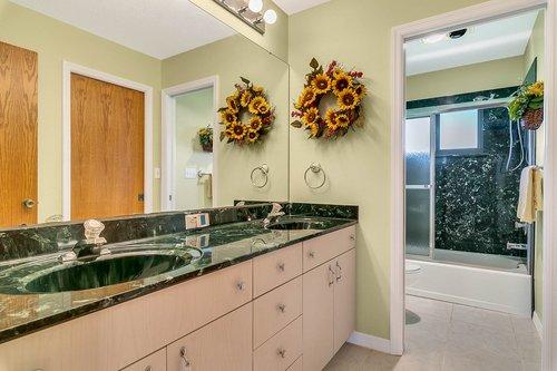 23115-Glory-Rd--Howey-In-The-Hills--FL-34737----27---Bathroom.jpg