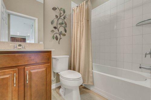 556-Blue-Cypress-Dr--Groveland--FL-34736----26---Bathroom.jpg