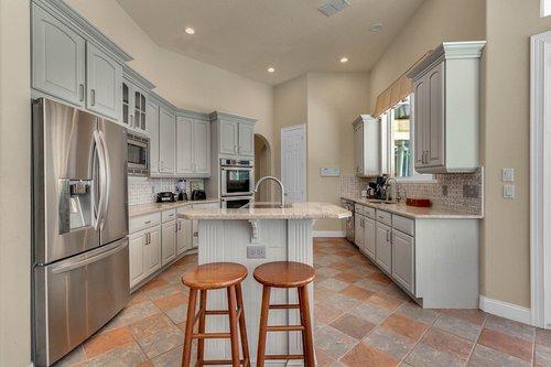 8712-Scenic-Oak-Ct--Orlando--FL-32836---10---Kitchen.jpg