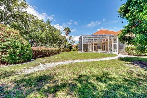 8712-Scenic-Oak-Ct--Orlando--FL-32836---27---Backyard.jpg