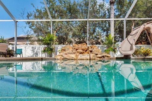 1940-Pamlynne-Pl--Windermere--FL-34786----05---Pool.jpg