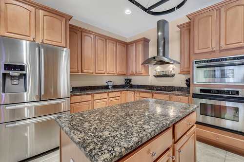 1940-Pamlynne-Pl--Windermere--FL-34786----15---Kitchen.jpg