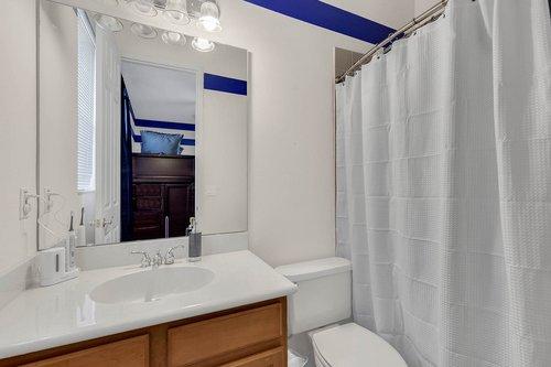 1940-Pamlynne-Pl--Windermere--FL-34786----24---Bathroom.jpg