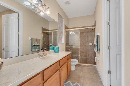 1940-Pamlynne-Pl--Windermere--FL-34786----26---Bathroom.jpg