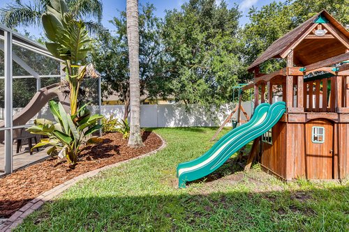 1940-Pamlynne-Pl--Windermere--FL-34786----30---Backyard.jpg