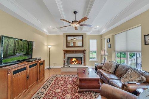 1950-Hempel-Ave--Windermere--FL-34786----07---Family-Room.jpg