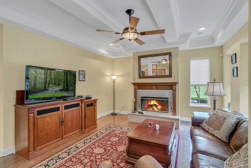 1950-Hempel-Ave--Windermere--FL-34786----08---Family-Room.jpg
