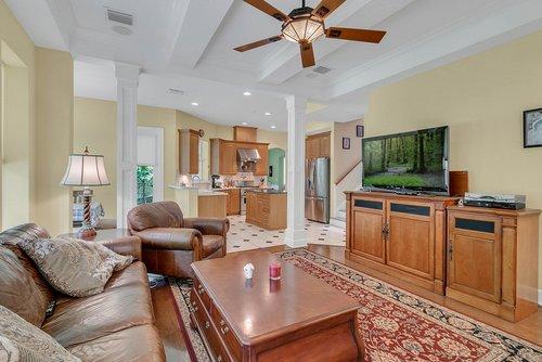 1950-Hempel-Ave--Windermere--FL-34786----09---Family-Room.jpg