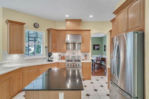 1950-Hempel-Ave--Windermere--FL-34786----11---Kitchen-Edit.jpg