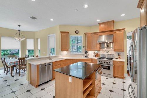 1950-Hempel-Ave--Windermere--FL-34786----12---Kitchen-Edit.jpg