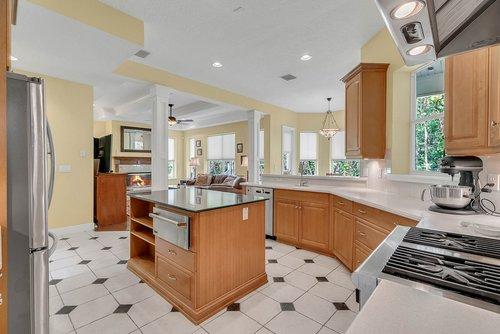 1950-Hempel-Ave--Windermere--FL-34786----13---Kitchen-Edit.jpg