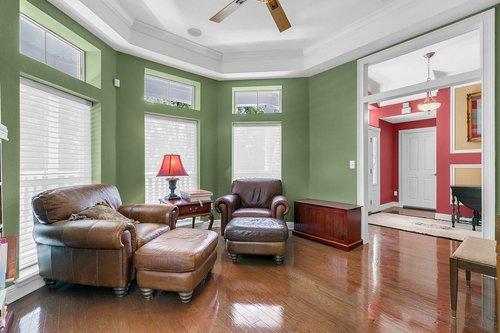 Reshoot---1950-Hempel-Ave--Windermere--FL-34786----06---Living-Room.jpg
