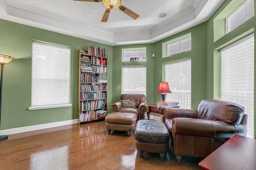Reshoot---1950-Hempel-Ave--Windermere--FL-34786----07---Living-Room.jpg