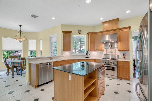 Reshoot---1950-Hempel-Ave--Windermere--FL-34786----13---Kitchen.jpg