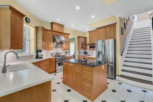 Reshoot---1950-Hempel-Ave--Windermere--FL-34786----15---Kitchen.jpg