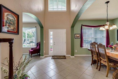 15301-Hayworth-Dr--Winter-Garden--FL-34787----04---Foyer.jpg
