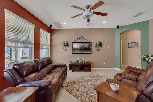 15301-Hayworth-Dr--Winter-Garden--FL-34787----08---Family-Room.jpg