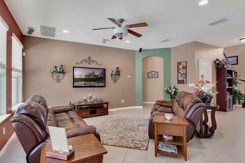 15301-Hayworth-Dr--Winter-Garden--FL-34787----09---Family-Room.jpg