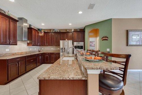 15301-Hayworth-Dr--Winter-Garden--FL-34787----11---Kitchen.jpg
