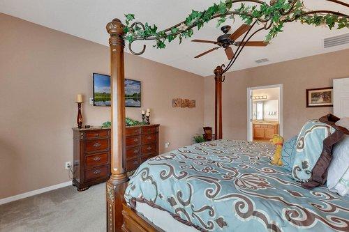 15301-Hayworth-Dr--Winter-Garden--FL-34787----18---Master-Bedroom.jpg