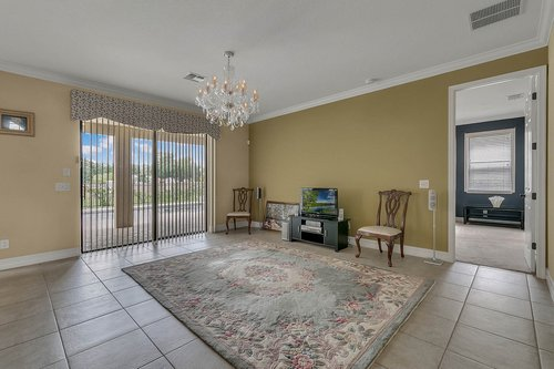 3106-Falconhill-Dr--Apopka--FL-32712----06---Family-Room.jpg