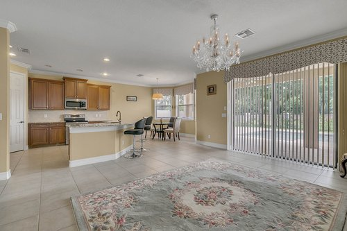 3106-Falconhill-Dr--Apopka--FL-32712----07---Family-Room.jpg
