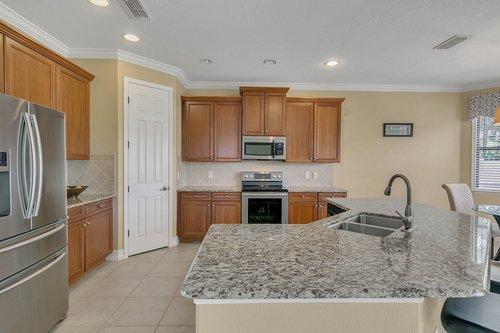 3106-Falconhill-Dr--Apopka--FL-32712----10---Kitchen.jpg