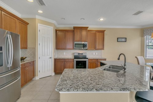 3106-Falconhill-Dr--Apopka--FL-32712----10---Kitchen.jpg