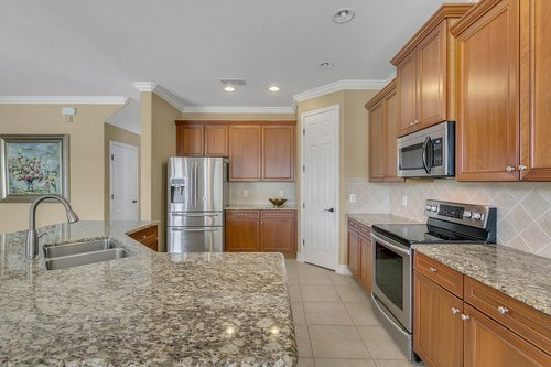 3106-Falconhill-Dr--Apopka--FL-32712----11---Kitchen.jpg