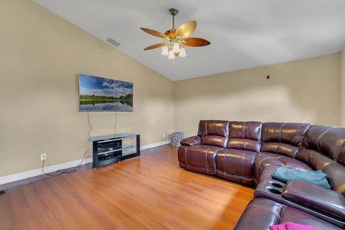 3106-Falconhill-Dr--Apopka--FL-32712----13---Bonus-Room.jpg