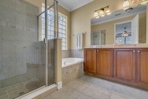 3106-Falconhill-Dr--Apopka--FL-32712----15---Master-Bathroom.jpg