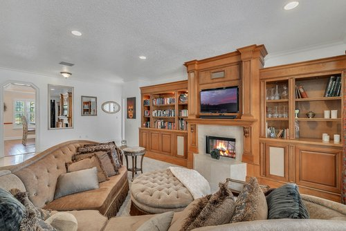 176-Vista-Oak-Dr--Longwood--FL-32779----13---Family-Room.jpg
