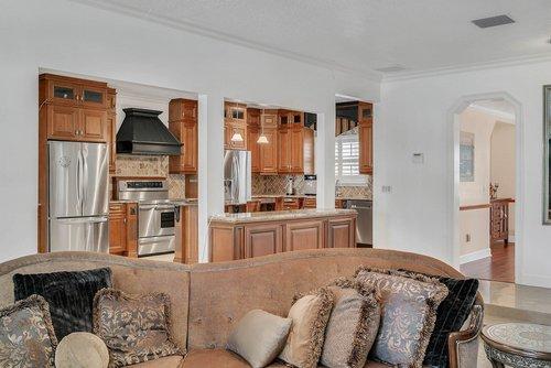 176-Vista-Oak-Dr--Longwood--FL-32779----14---Family-Room.jpg